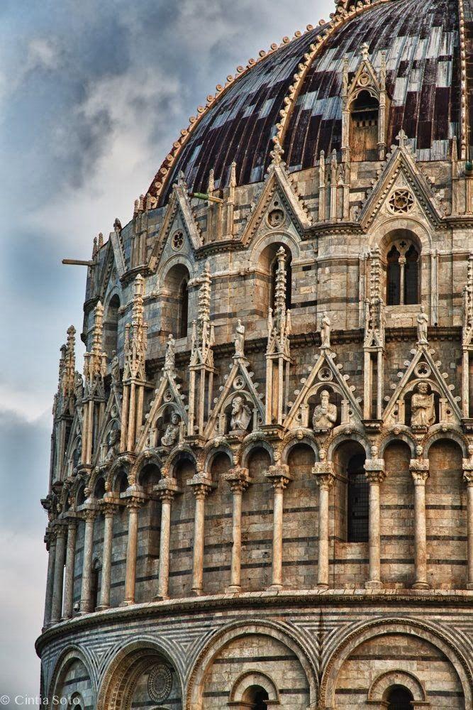 Pisa - Battistero dettaglio