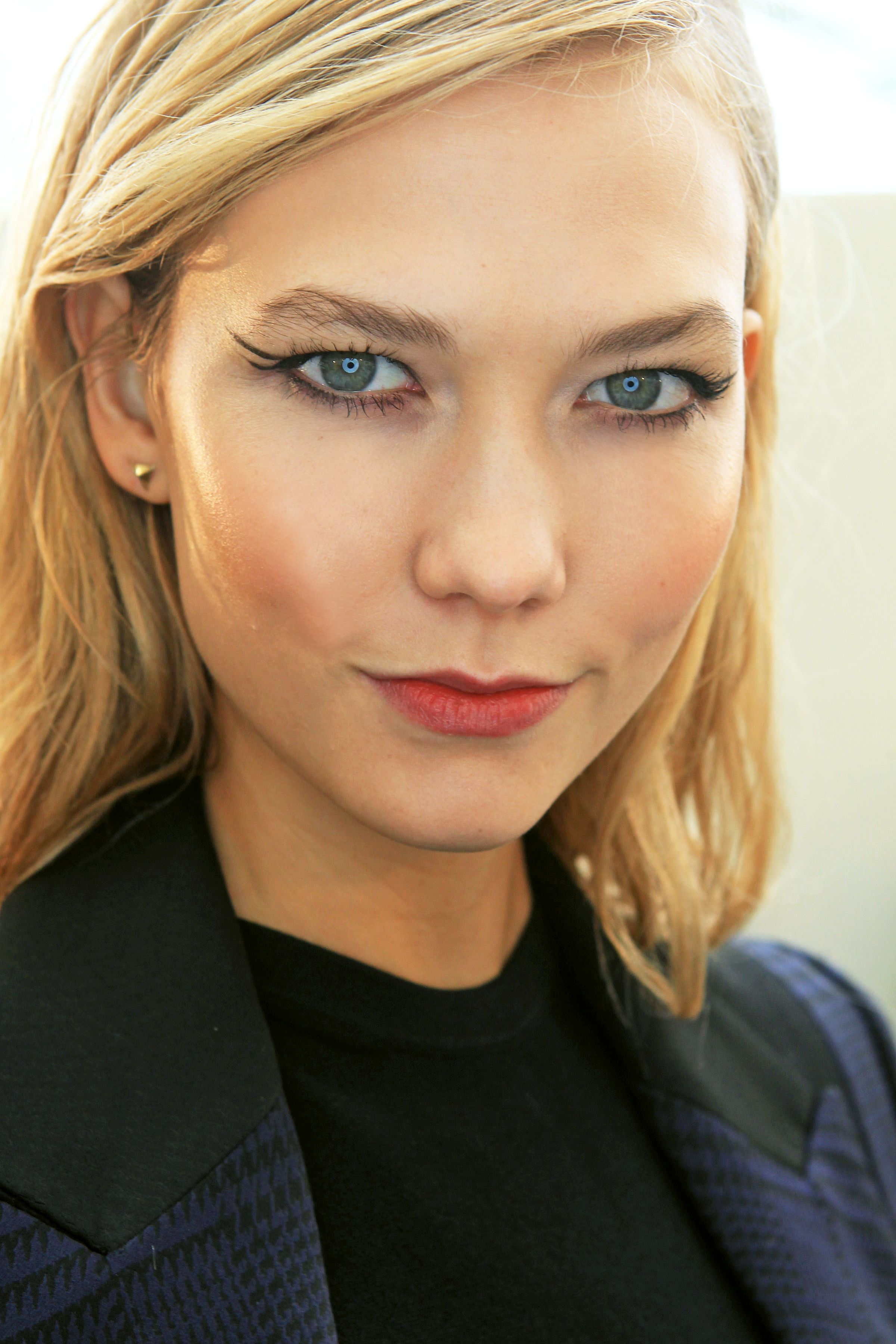 A Quick (Yet Dramatic) Eyeliner Trick To Try This Weekend