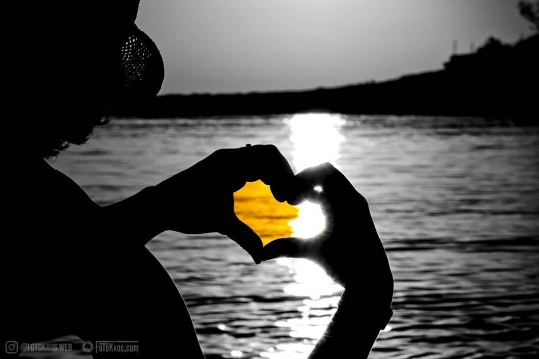 #raw_community #justgoshoot #dslrfansclub #op_h #worldwide_photo #splash_of_spain #hart_splash #splash_reward #splash #addicted_to_splash #gf_splash #passion_in_splash #sunset #ibiza #calagracio #beach #photographylife #heart #love #fotokaos #missing #aroundtheworld #getlost #travelholic #postcardsfromtheworld