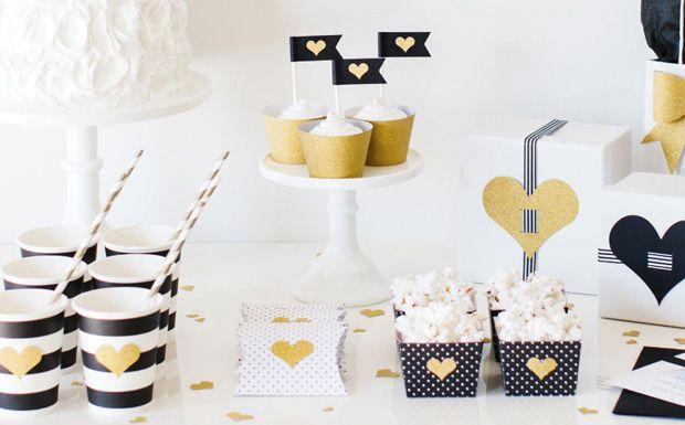 une d co d 39 anniversaire en noir blanc et or en noir anniversaires et blog. Black Bedroom Furniture Sets. Home Design Ideas
