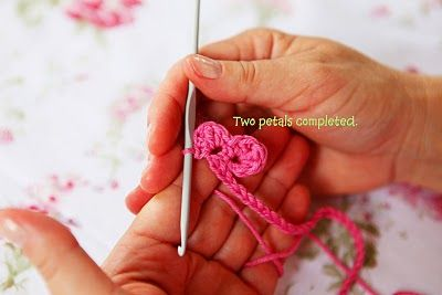 Heidi Bears: Super easy Crocheted Rose Tutorial