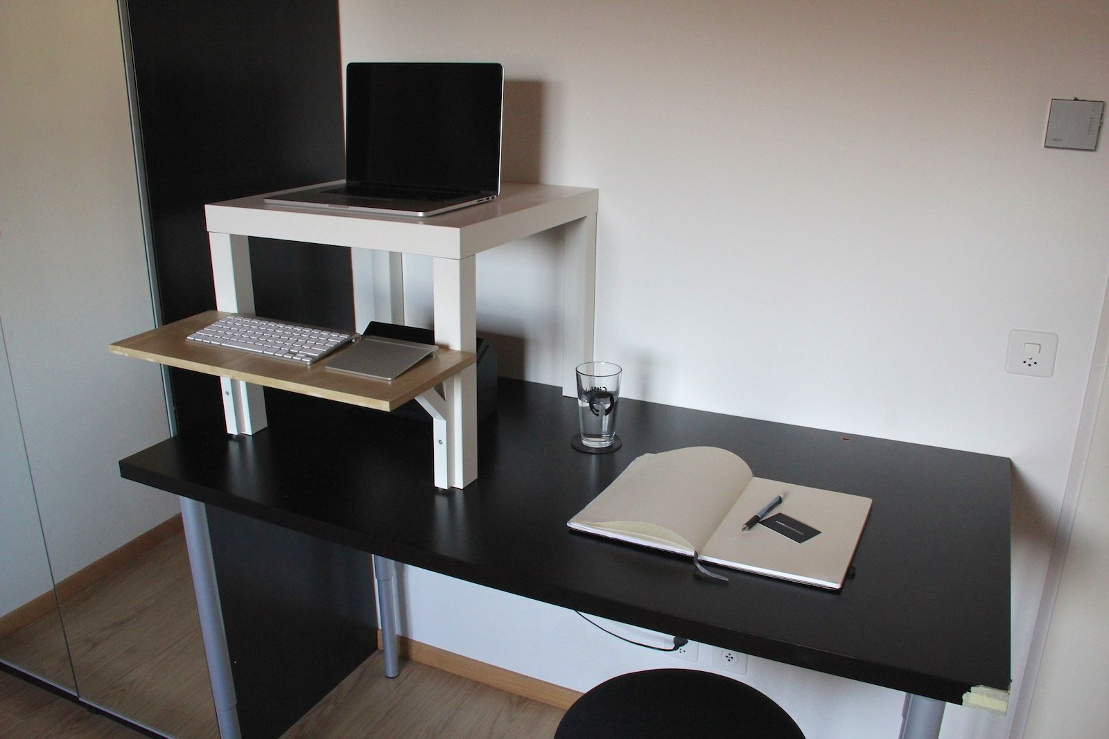 Bureau Vloermat Ikea.Diy Ikea Standing Desk With A Kybounder Mat To Train My Muscles And
