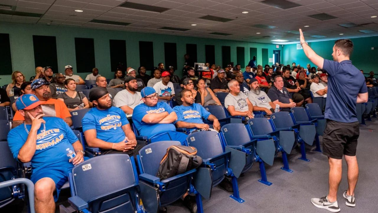 Raiders Usa Football Intermountain Healthcare Keep Nevada Youth Coaches Ahead Of The Gam In 2020 Youth Coaching Nfl News Youth Football