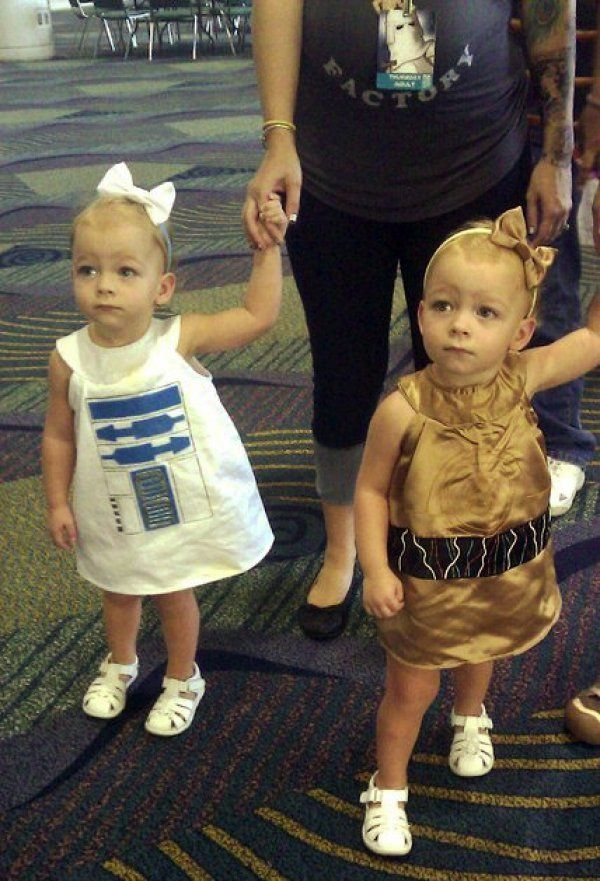 Twin girl R2 and C3PO outfits...no they won't find it hard to date in high school.