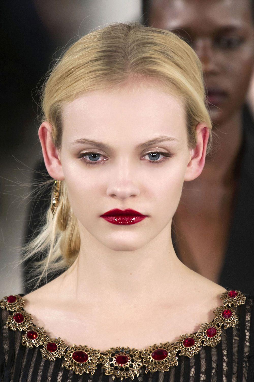 Image: IMAXtree; Oscar De La Renta #runway #makeup