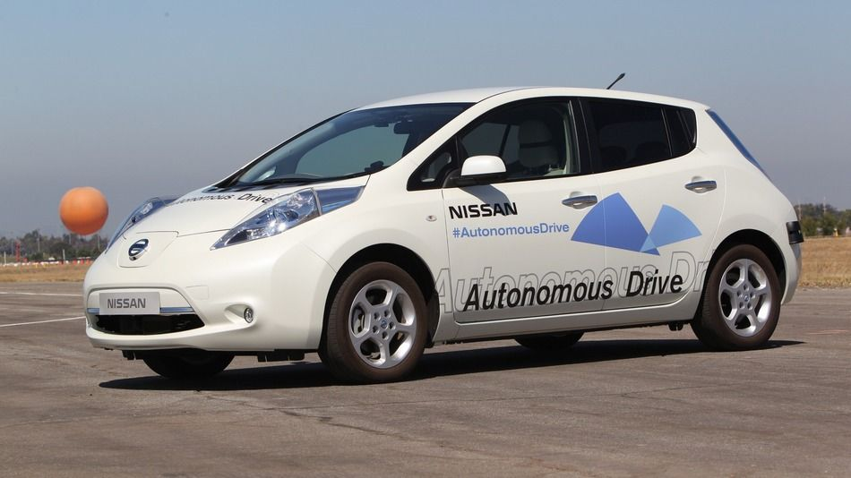 Nissan Plans To Offer Driverless Cars By 2020 Nissan Self Driving Nissan Leaf