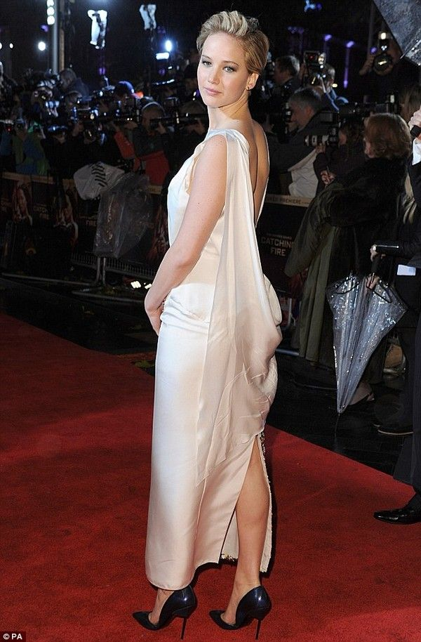 856315c87f2c4 Jennifer Lawrence Backless Dress Jennifer Lawrence