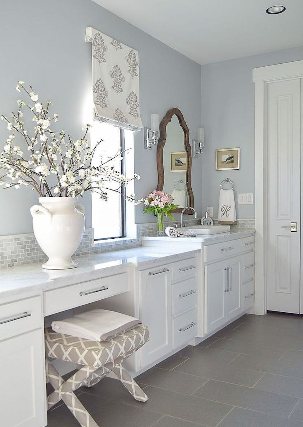 Insane Farmhouse Bathroom Remodel Ideas 55 | Mondean