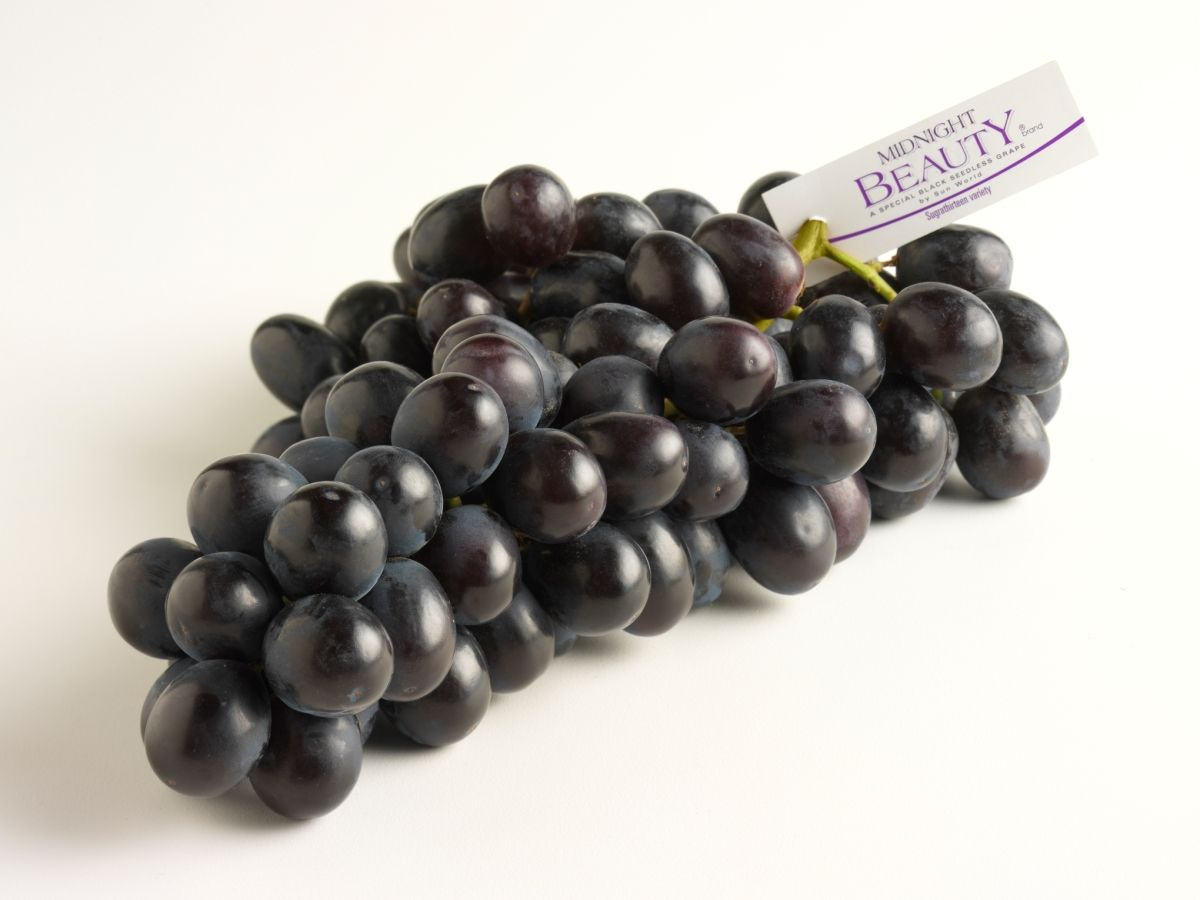 midnight beauty® brand black grapes   black grapes, cups and food