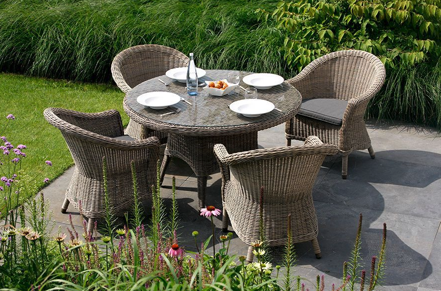 4 Seasons Outdoor Pure Chester Dining 4 Seater Set
