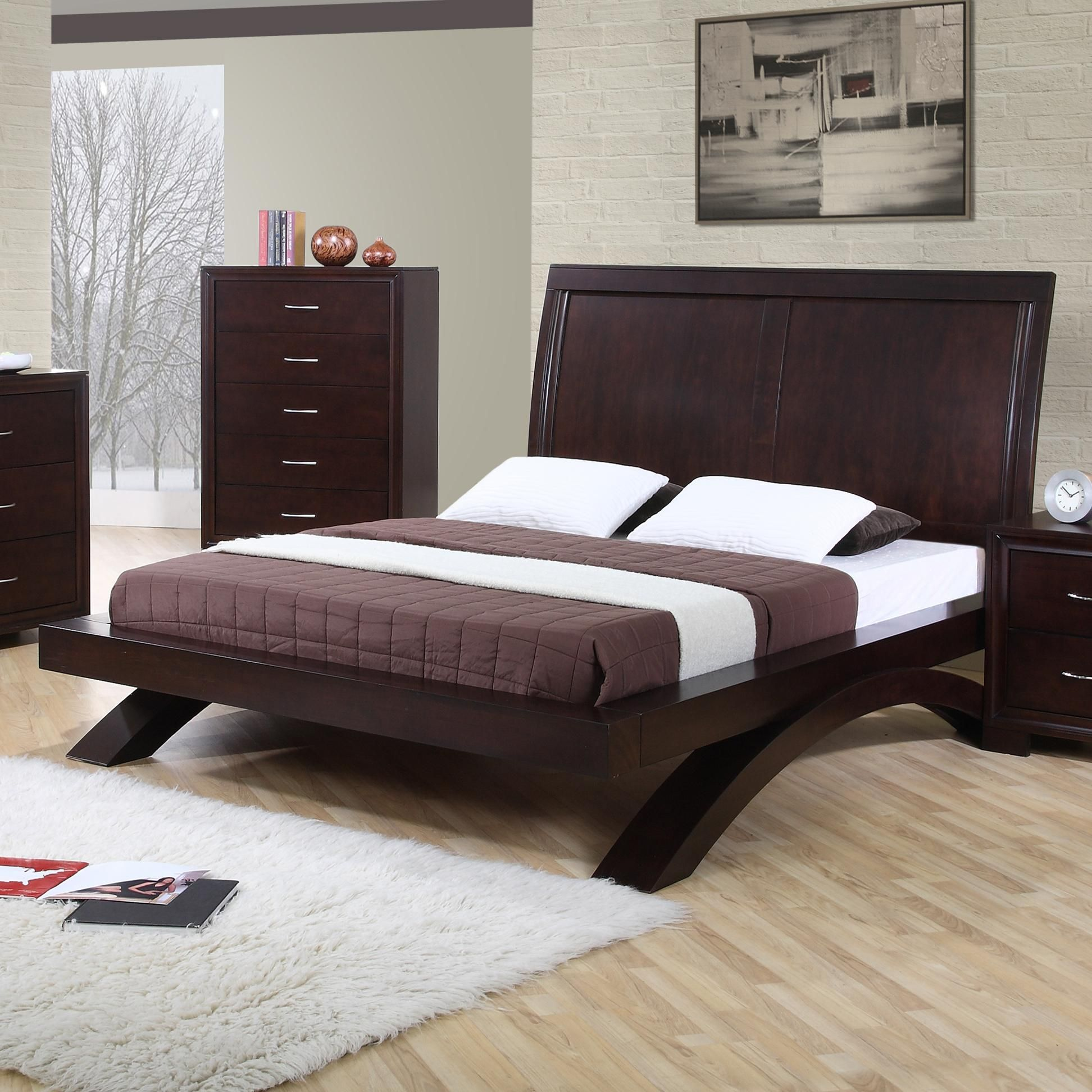 Raven King Contemporary Platform Bed By Elements