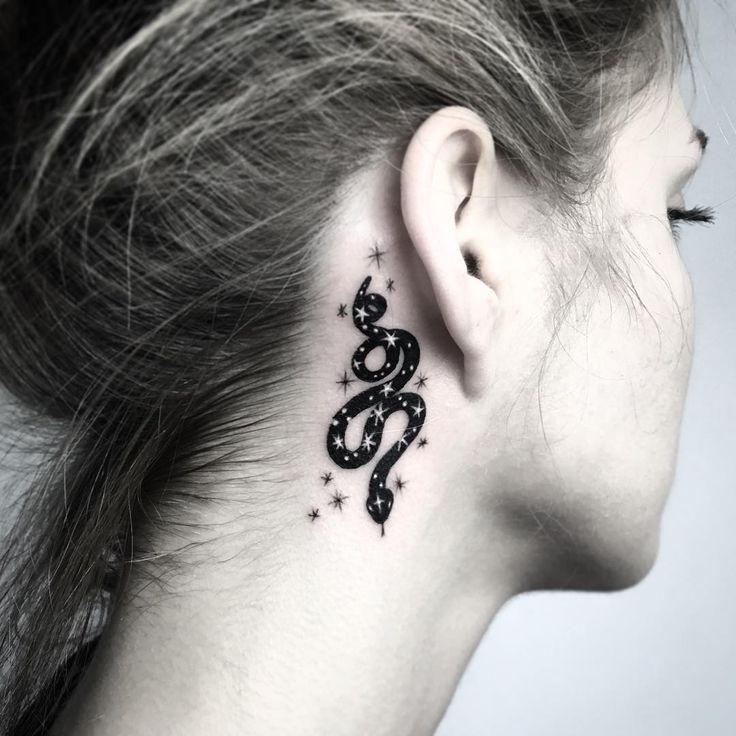 Photo of micro serpent ✨✨ #tattoo #spacetattoo #cosmictattoo #snake #snaketattoo –