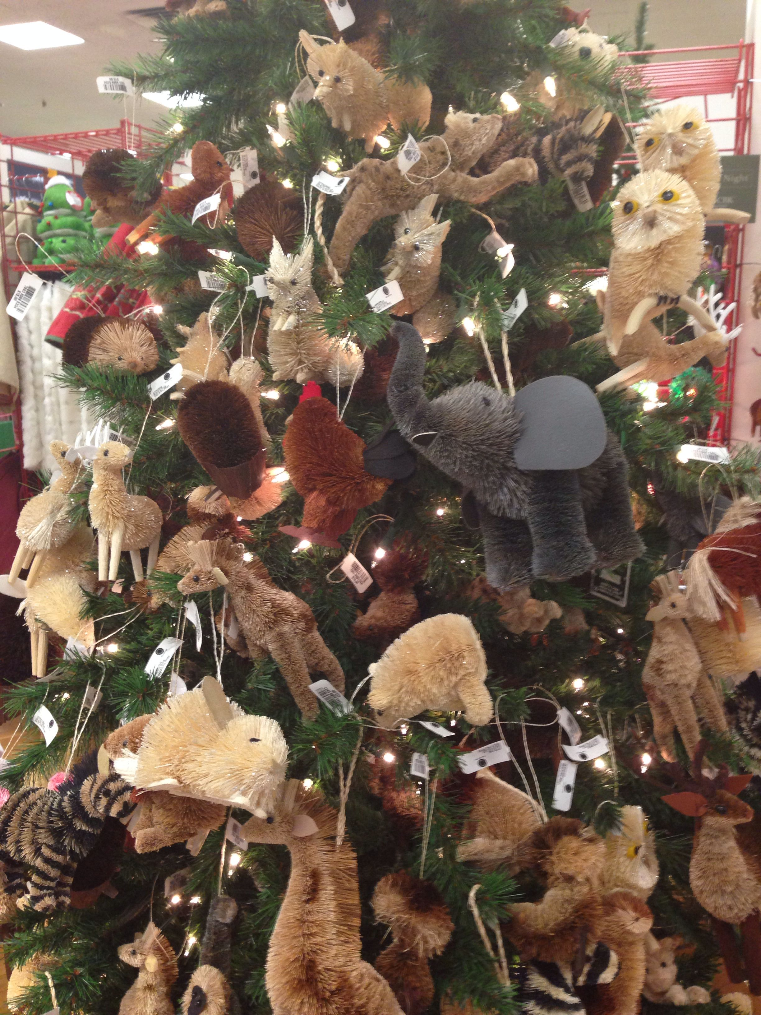 Animal Themed Christmas Tree Might Be Cute To Do A Woodland Animal Themed Tree In A Best Christmas Tree Decorations Christmas Tree Themes Cool Christmas Trees