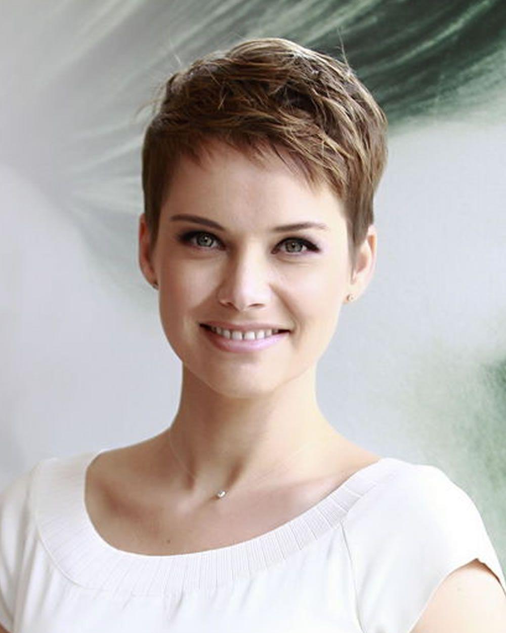 21 Trendige Kurze Haarschnitt Bilder Und Pixie Frisuren Die Sie Wirklich Lieben Frisuren Trendy Short Hair Styles Short Hair Styles Trendy Short Haircuts