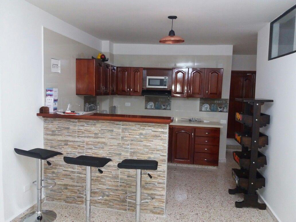 Cocina Y Barra En Cedro Meson En Granito Mis Trabajos Diseno Muebles De Cocina Diseno De Cocina Cocinas De Casa