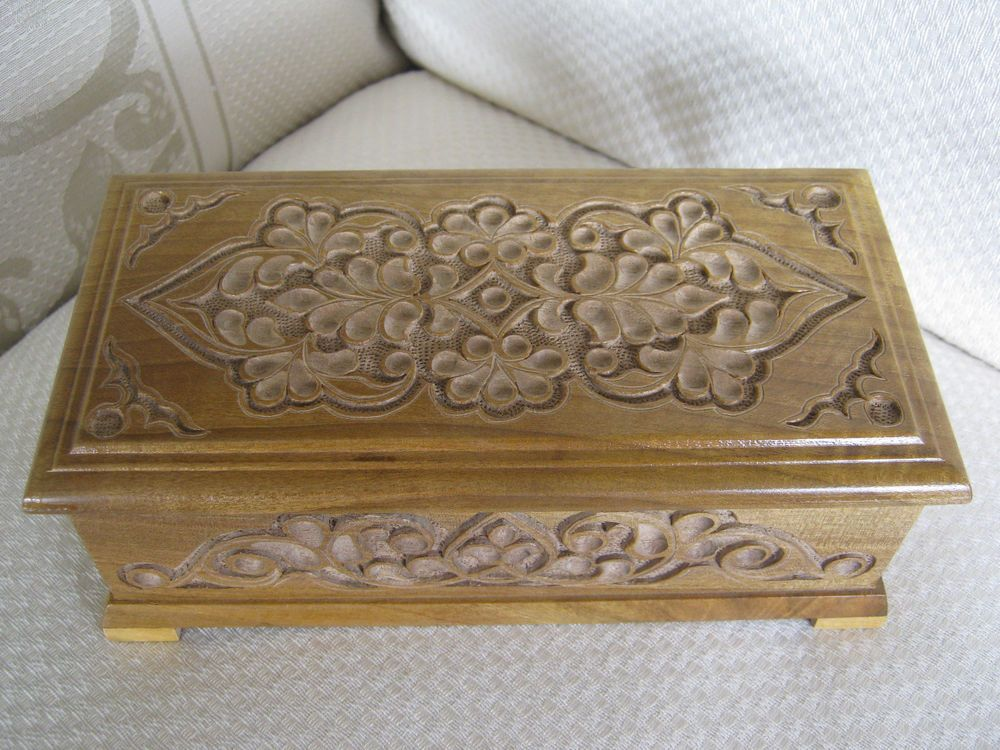 Vintage Hand Carved Wood Box w/ Feet, Jewelry, Trinket, Coffee Table, Pot Smoker