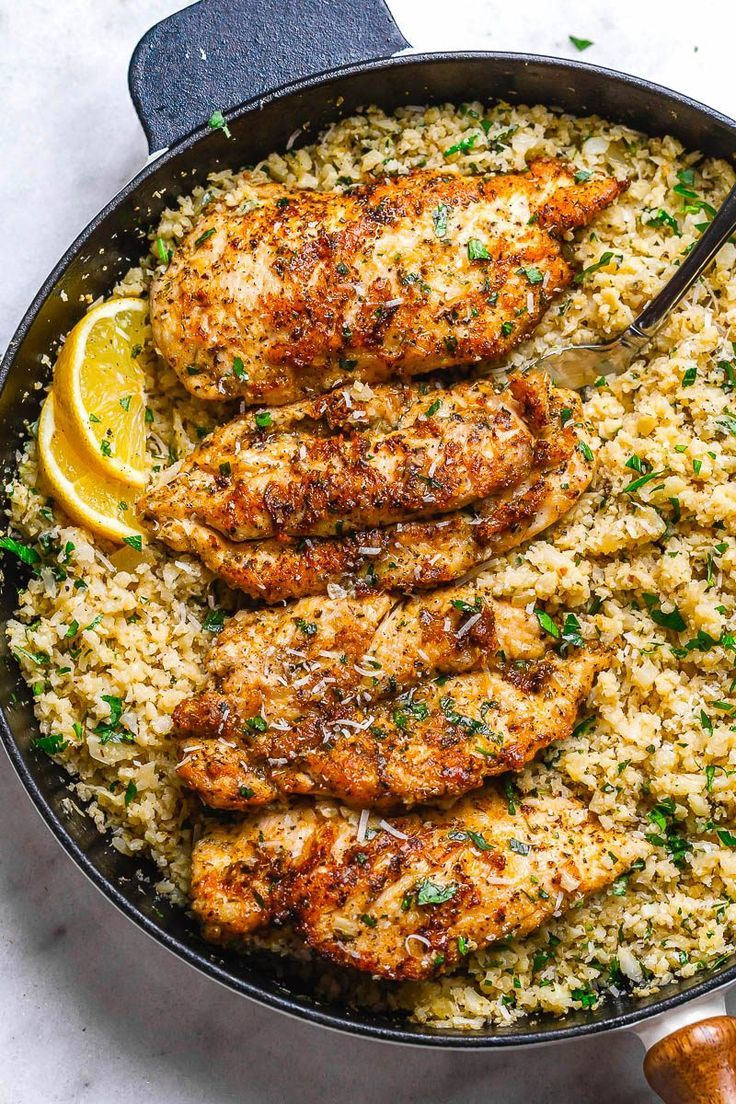 15-Minute Garlic Butter Chicken with Parmesan Cauliflower Rice #ketorecipes