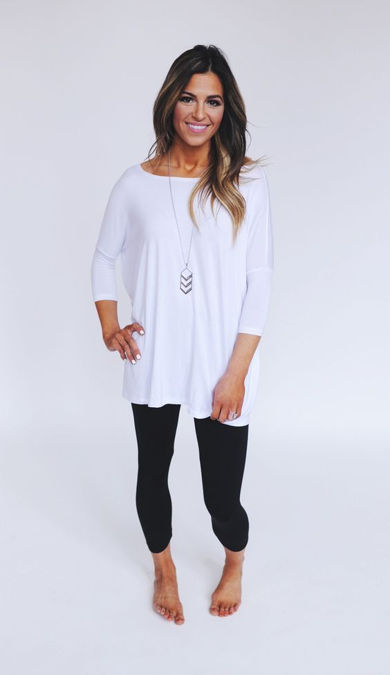 87af0ad56ad96b Love this look. Simple leggings and perfect top for it!! | women's ...