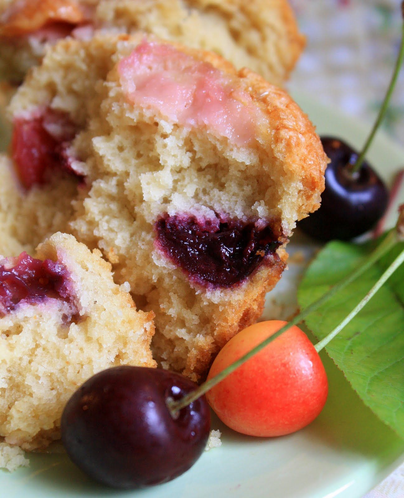 Jumbo Sweet Cherry Muffins With Buttermilk And Brown Sugar Sweet Cherries Fruit Recipes Berry Muffin Recipe