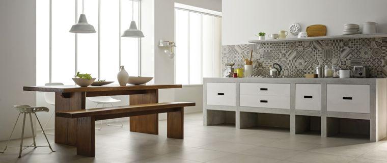 moderna soluzione per cucine in muratura con tavolo e panca in legno ...