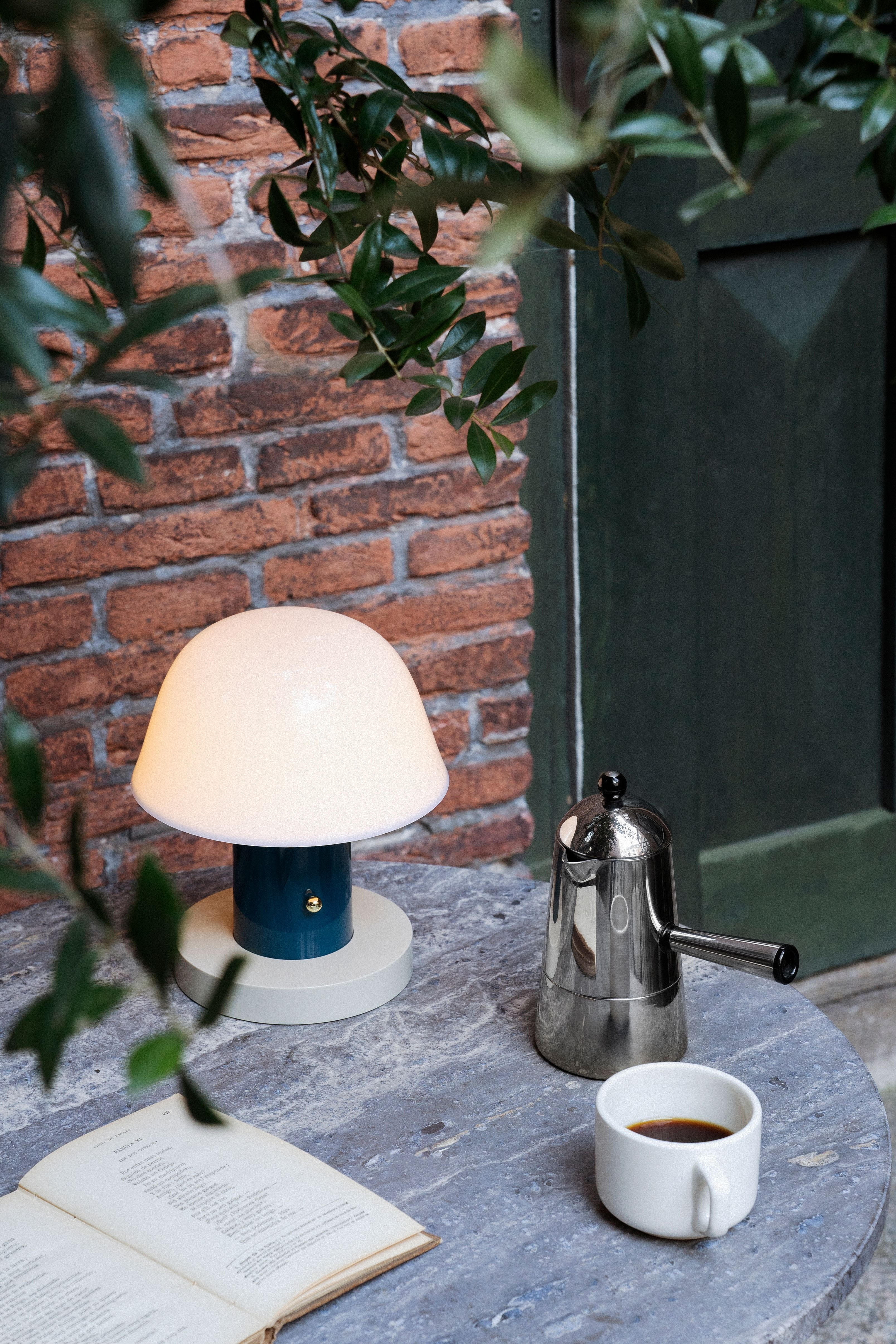 Jh27 Setago Table Lamp In 2020 Table Lamp Lamp Quirky Table Lamp