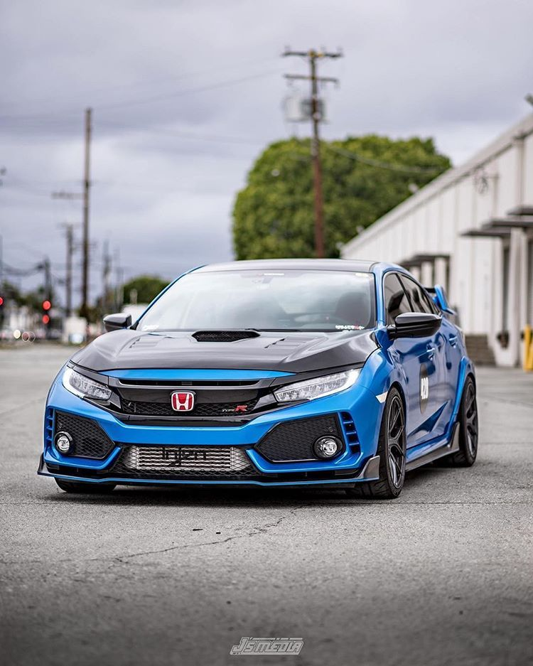 Vivid Racing Sur Instagram Start Out Your Monday With Some Civic Type R Goodness Jonnys Honda Featur Honda Civic Car Honda Civic Type R Honda Civic Sport