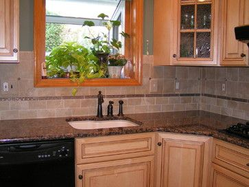 Giallo fiorito backsplash ideas baltic brown granite tile backsplash traditional kitchen - Traditional kitchen tile backsplash ideas ...