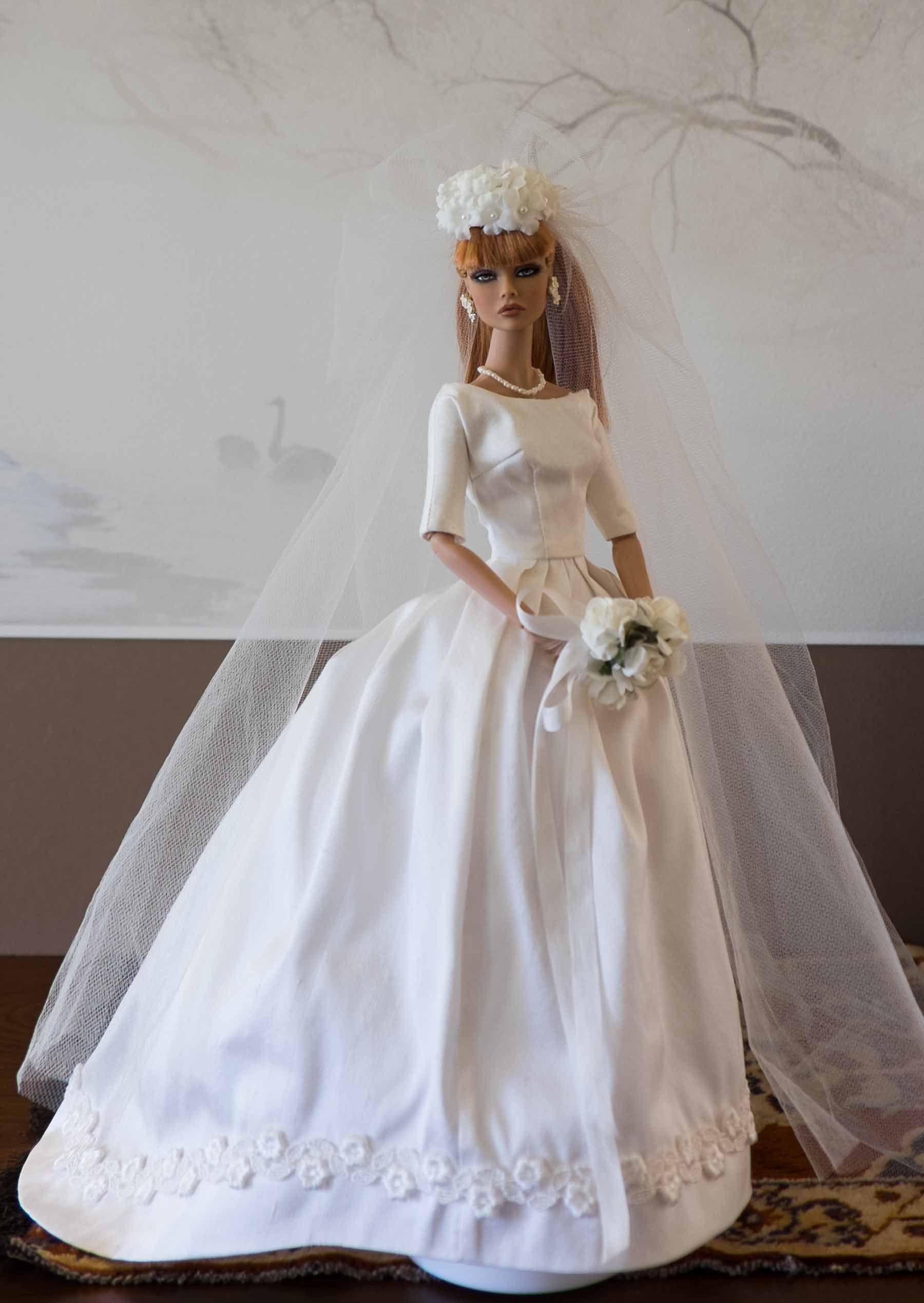 Jackie kennedy wedding dress on display  Pavot Bride devant lowres  Bride Dolls  Pinterest  Dolls
