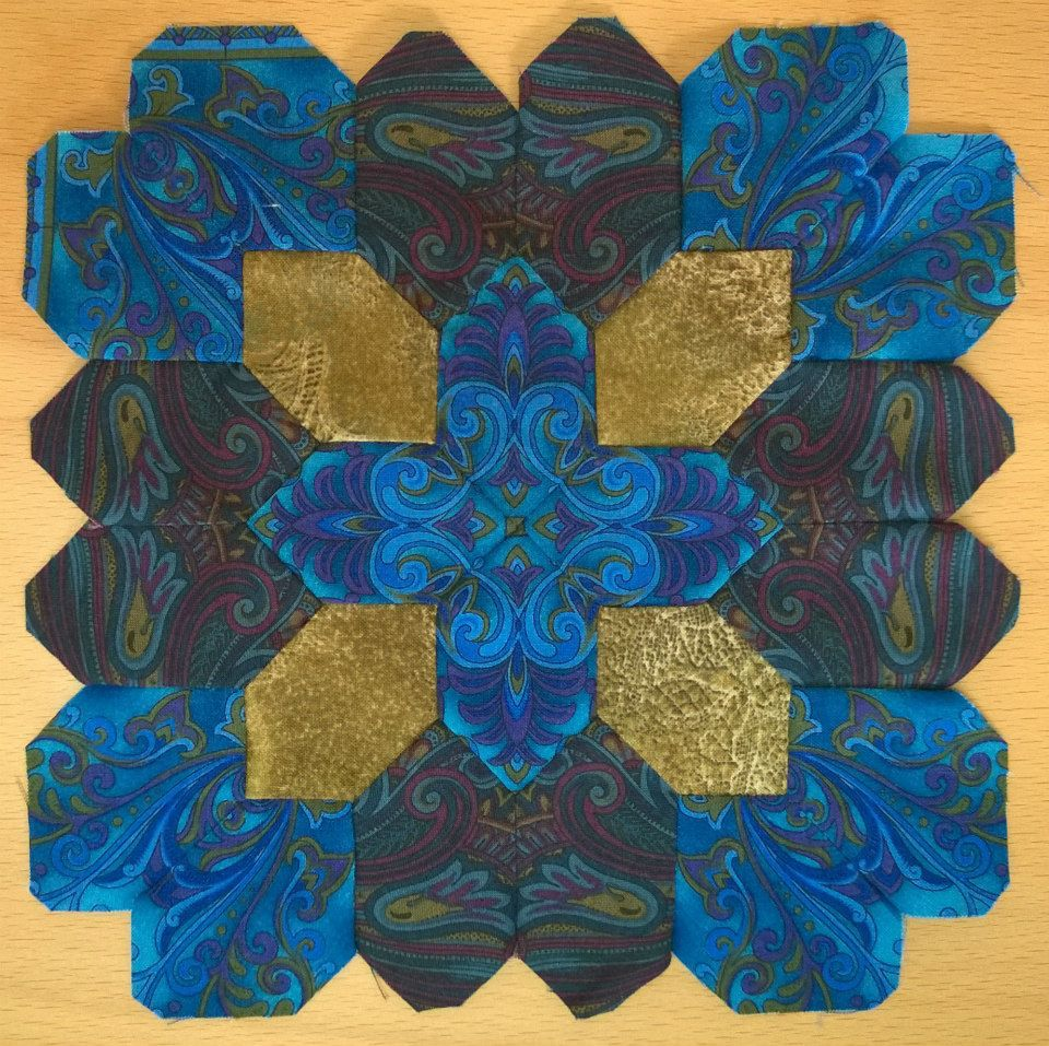 Olga K from Kiev made this Lucy Boston POTC block using border stripe mirror…