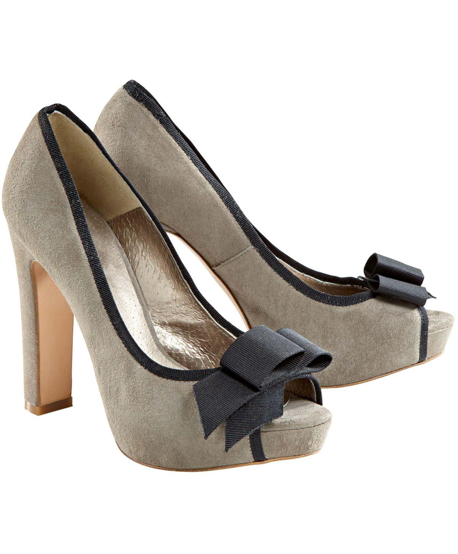 Von VALERIE PERRINI. Aus Veloursleder.  #conleys #schuhe #shoes #fashion