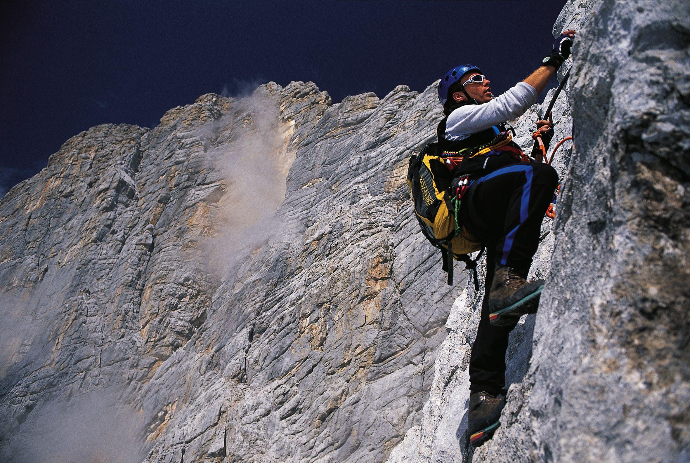 Klettersteig Johann Dachstein : Der johann klettersteig. amazing long and so vertical. #dachstein