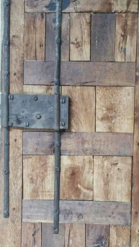 #Wood #Door #CaminoDeSantiagoDeCompostela #Spain