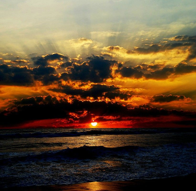 Pictures Of Sunsets On The Ocean