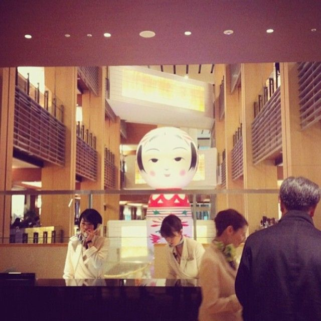 "@zuizyano's photo: ""懐かしい写真。受付越しの花子。今年のアートナイトはお客さんとして参加できるかなぁ。"""
