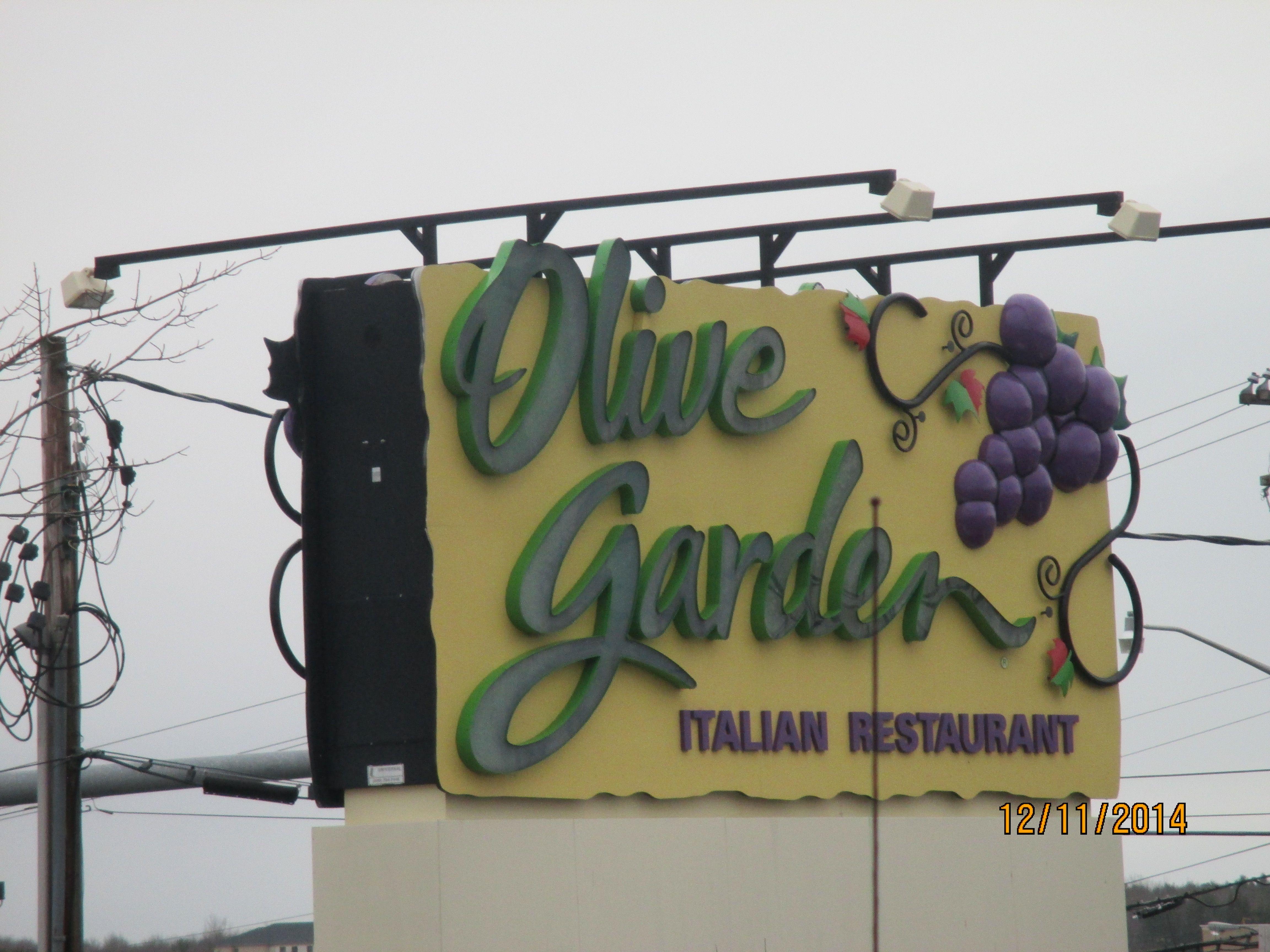 OLIVE GARDEN, HOGAN ROAD Italian restaurant, Neon signs