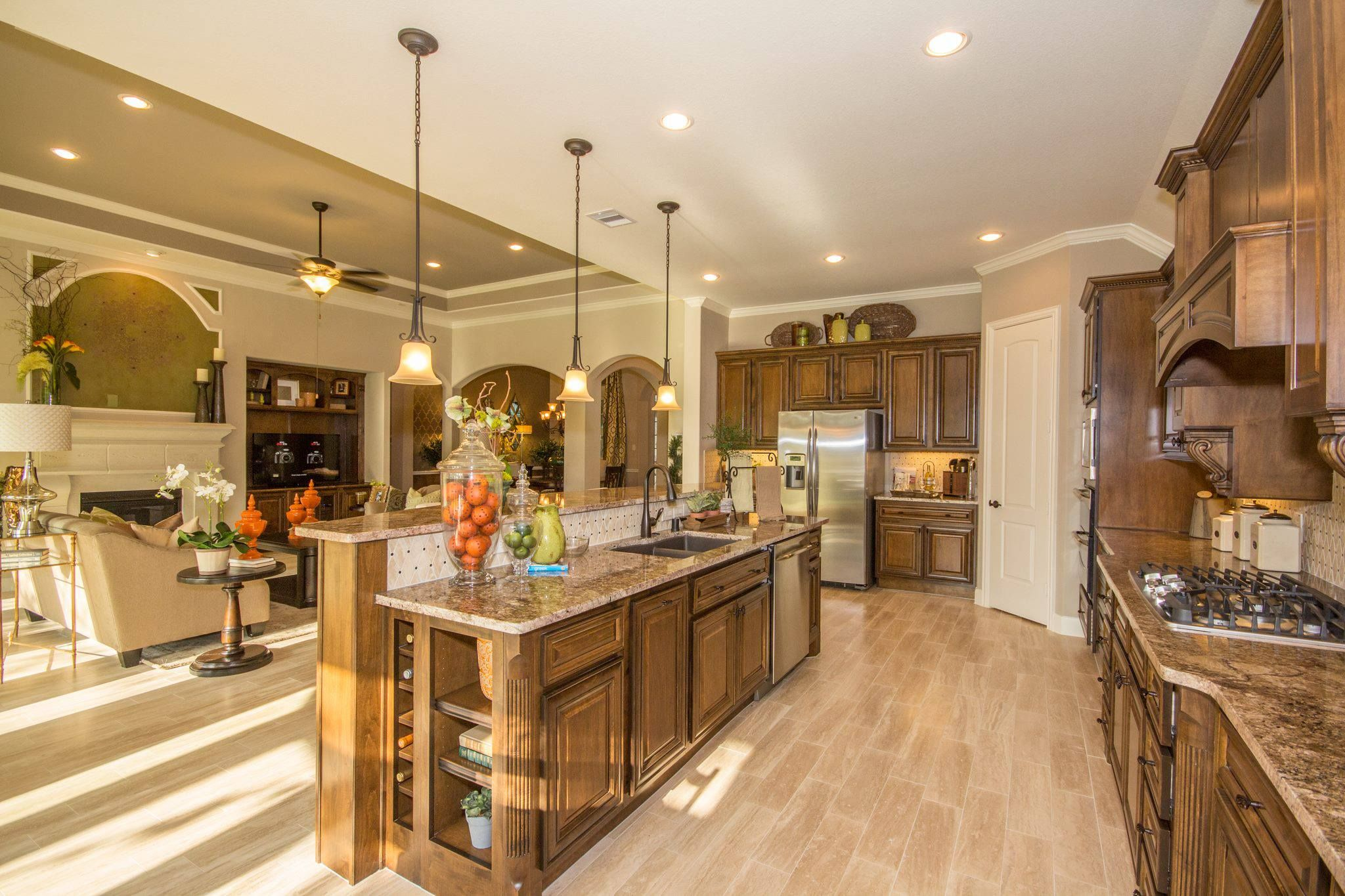 Lennar homes want this layout with antique white for Beautiful dark kitchens