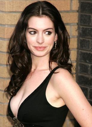 Anne hathaway bra size