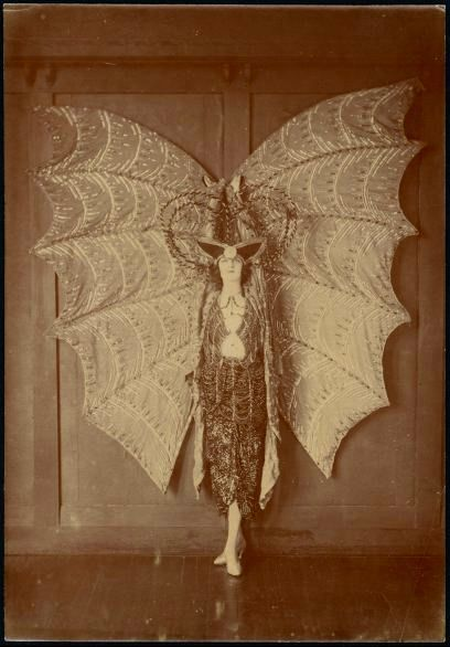 vintagemarlene u201c vintage bat wing costume 1920s (.pinterest.com) u201d & vintagemarlene: u201c vintage bat wing costume 1920s (www.pinterest.com ...