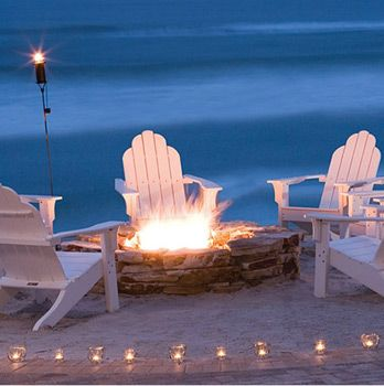 Love A Bonfire On The Beach With Images Fire Pit Decor