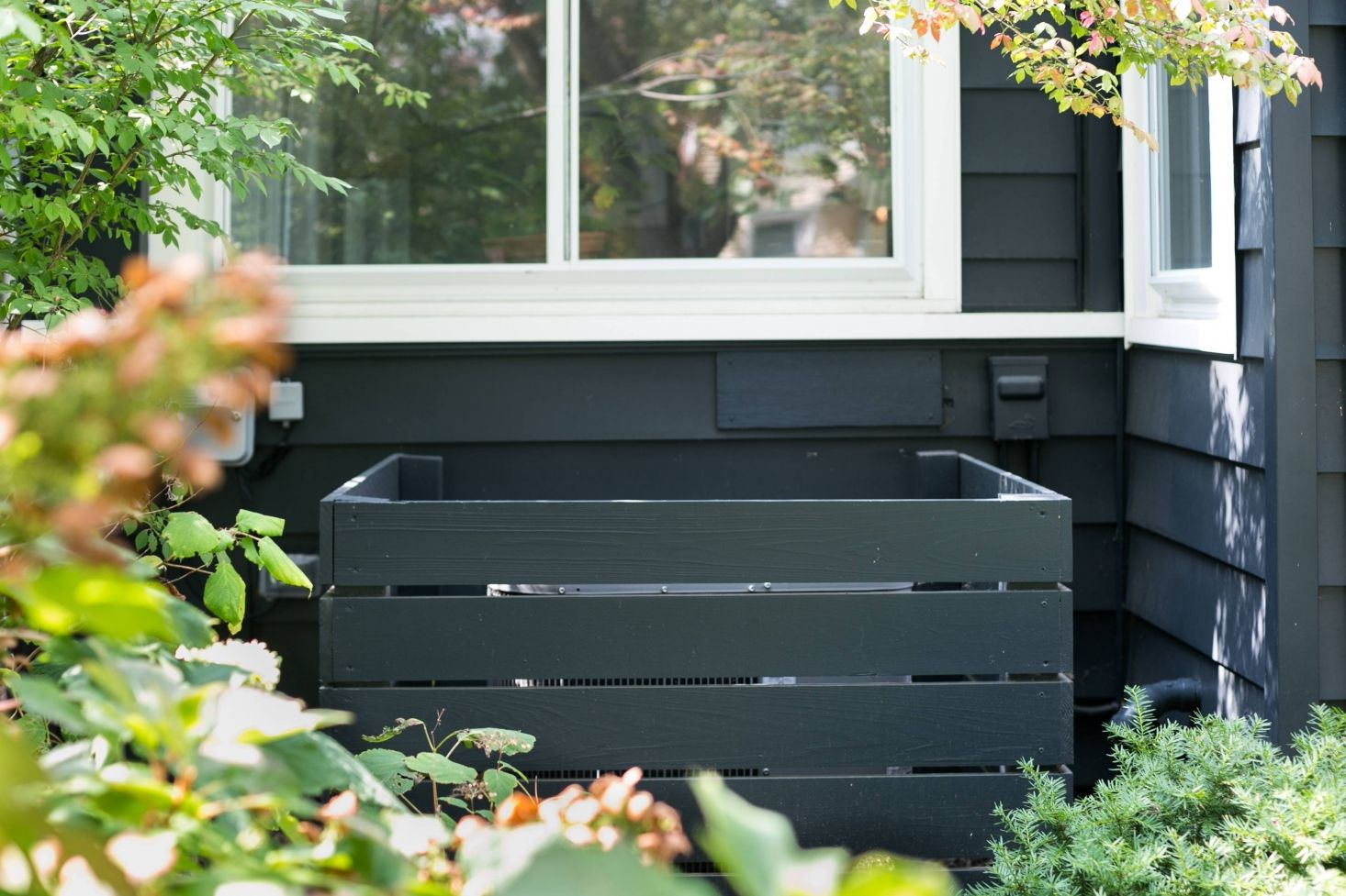 Garden Hacks 10 Genius Ideas to Hide the Air Conditioner