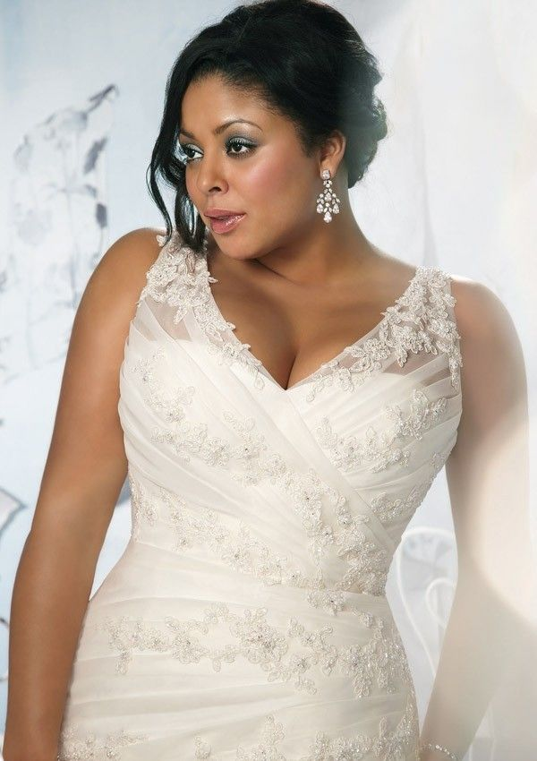 V Neck Chapel Train Organza A Line Plus Size Wedding Dress Wmr0098