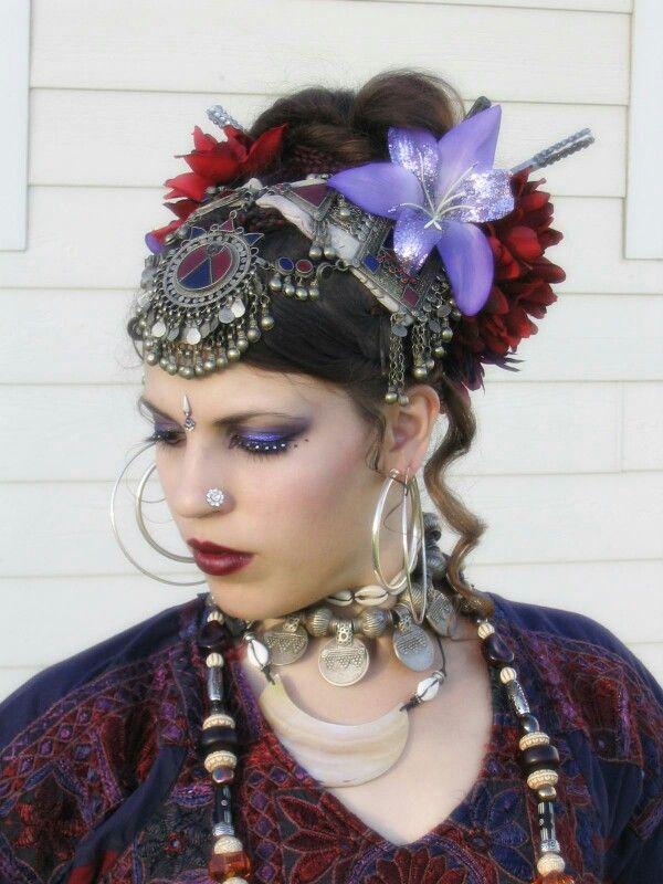 Belly dancing headpiece and makeup
