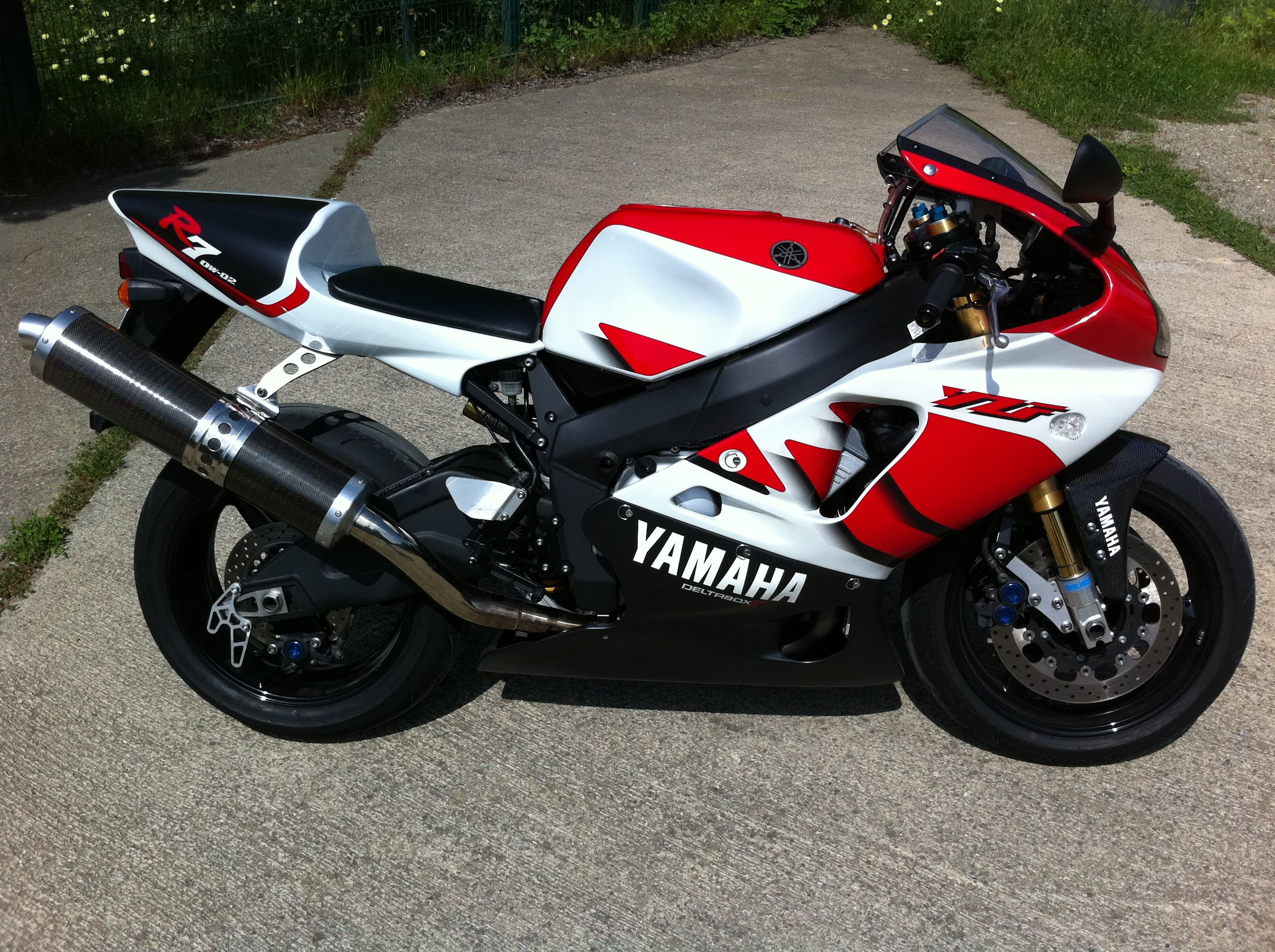 Yamaha Owo 02 R7 This Is The Motorcycle That Haga Used In Sbk Only 500 Units In The World On In My Gara Sports Bikes Motorcycles Racing Bikes Motorcycle