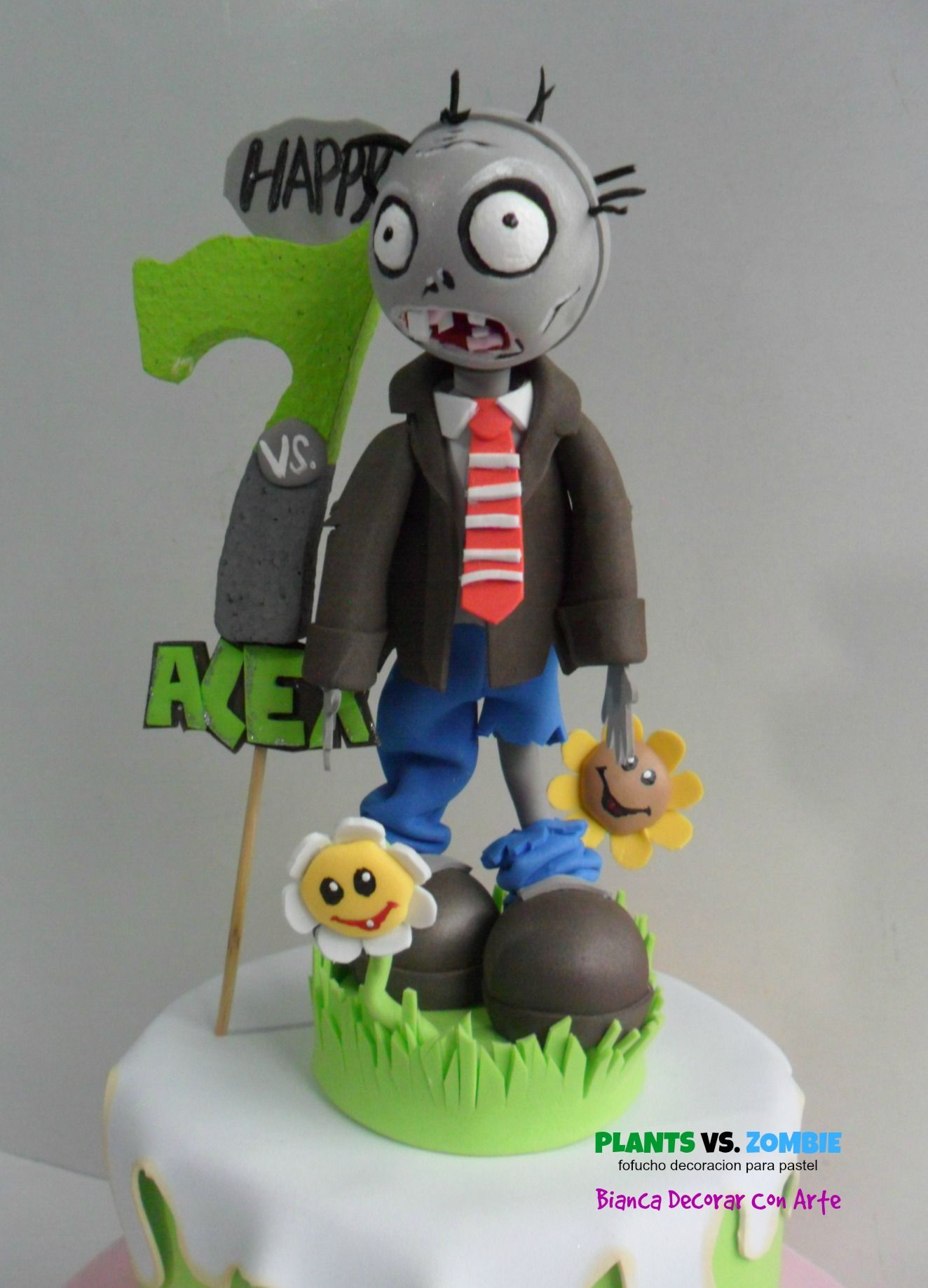Fofucho plants vs zombie decoraci n de pastel dimensiones for Decoracion con globos plantas contra zombies