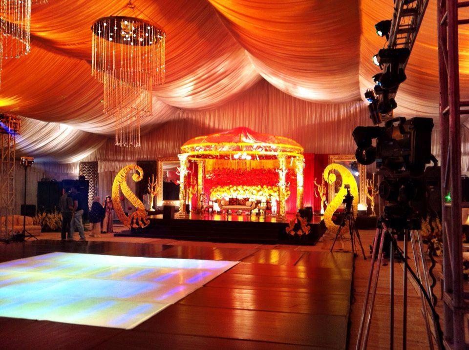 Wedding Hall With Canopy Decoration Wedding Hall Oriental Wedding Wedding Decorations