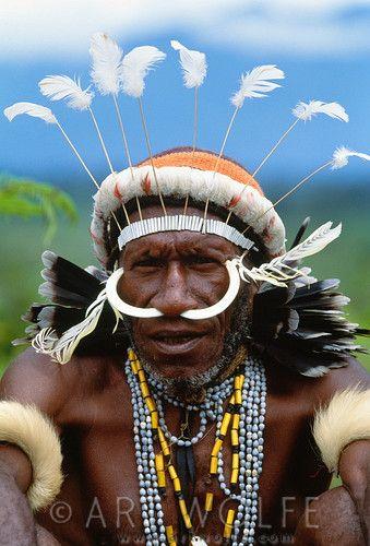 Portrait of Dani man, Grand Valley, Irian Jaya, Indonesia | © Art Wolfe