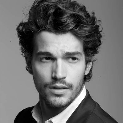 Naturally Curly Medium Hairstyle For Guy Jpg 400 400 Curly
