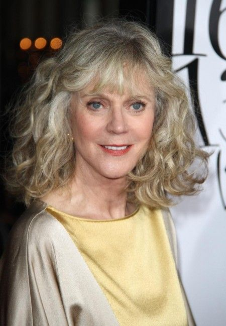 Pin By Susan Daughtrey On Hairstyles Blythe Danner How To Curl Your Hair Wavy Curly Hair
