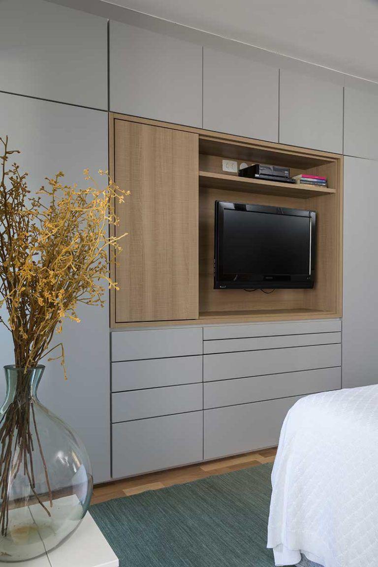 Para Mãe E Filha Casa De Valentina Wardrobe Tv Design Small Bedroom
