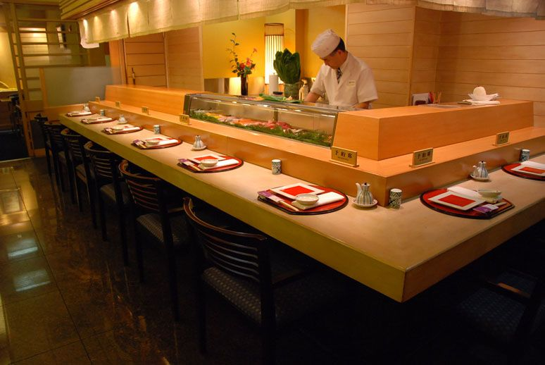 Hatsuhana Sushi Nyc Sit At The Bar Downstairs For Omakase 48th St Location Food Crawl Manhattan Nyc Places To Eat